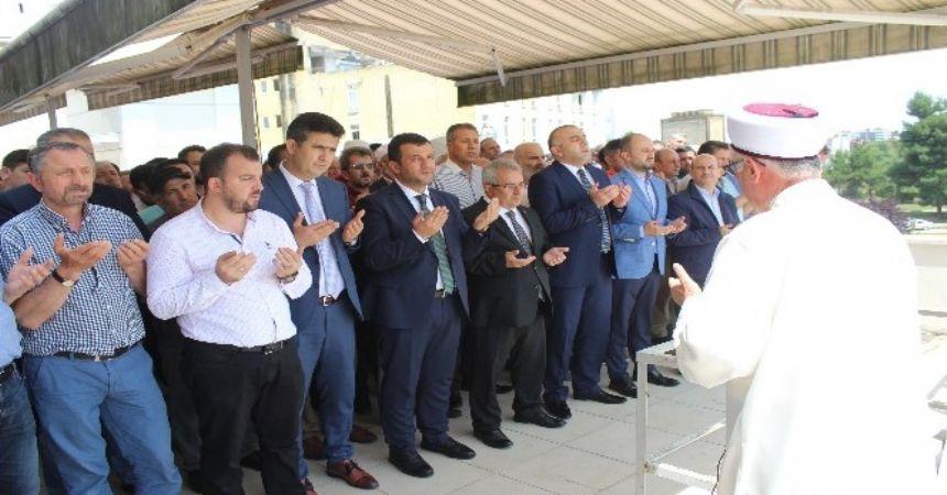 Mursi için gıyabi cenaze