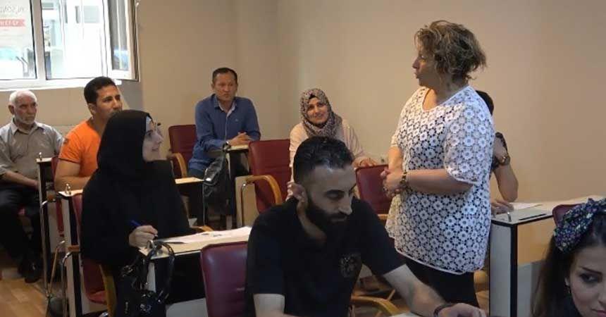 2 bin 360 yabancı uyruklu kişiye Türkçe öğretildi