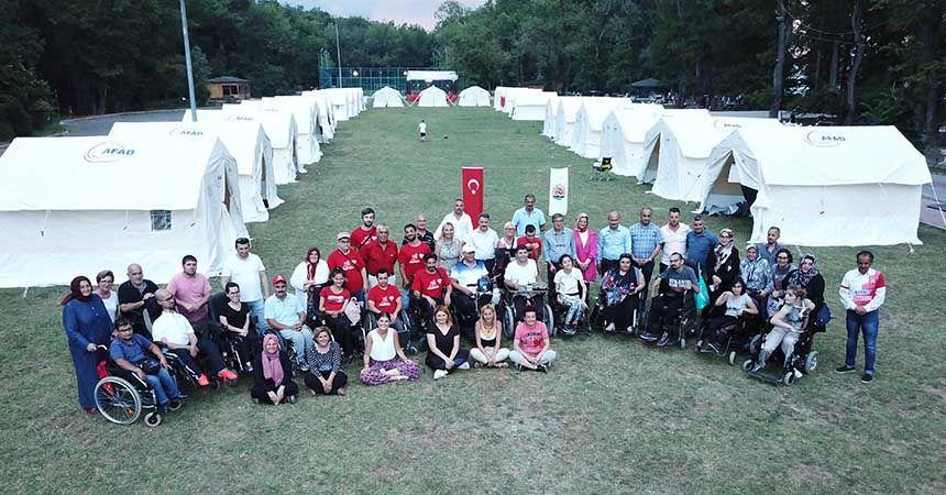 Engellilerden kamp dayanışması