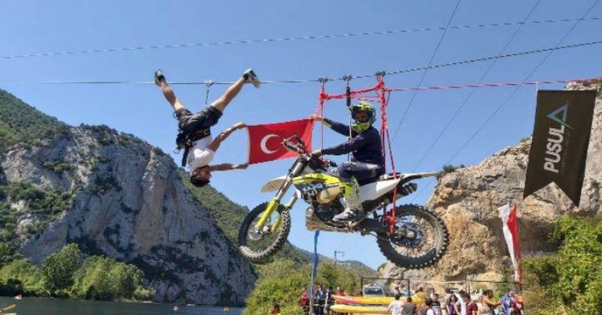 Motosikletli zipline