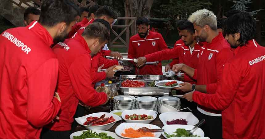 Samsunspor'da barbekü partisi