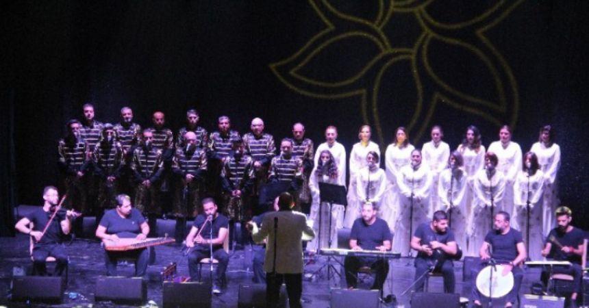 Medeniyetler korosundan 14 dilde konser