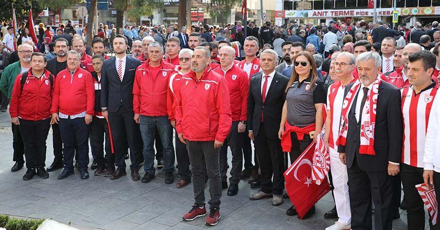 Samsunspor Cumhuriyet yürüyüşüne katıldı