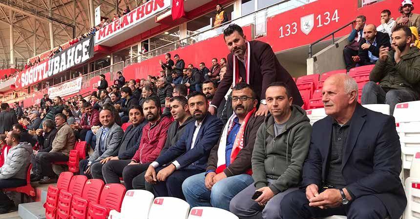 'Sevdamız Samsun' öğretmenlerin yanında