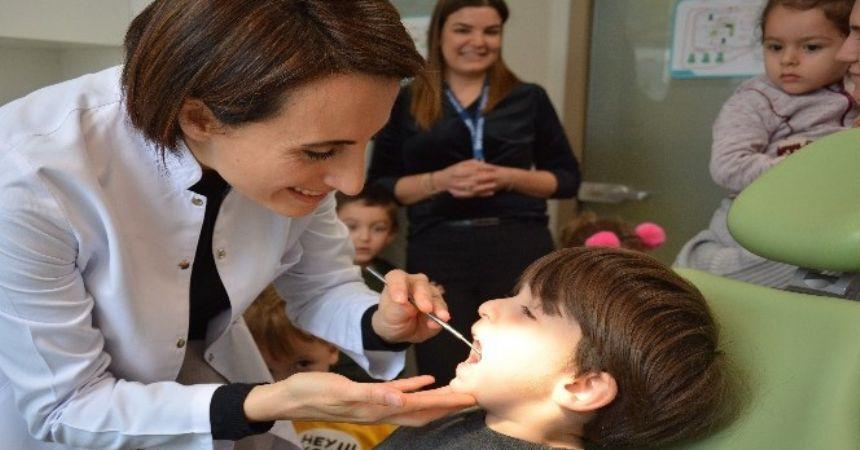 Liv Hospital'dan çocuklara ağız bakımı eğitimi