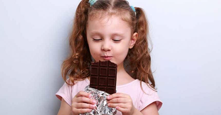 Çikolata yedikten sonra çocuğunuzun başı ağrıyorsa dikkat!