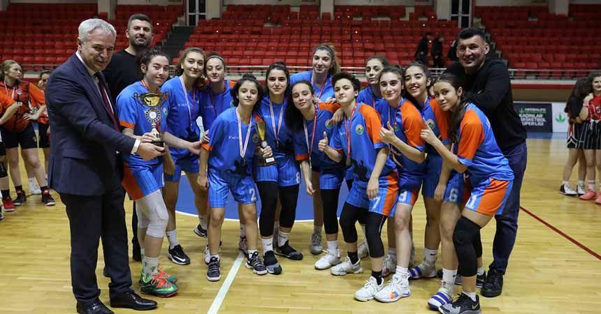 U18'de şampiyon İlkadım Belediyespor