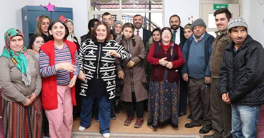 Başkan Sarıcaoğlu özel öğrencilerle buluştu
