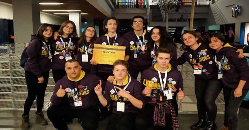 Samsun'da lise robot takımı ödülle döndü