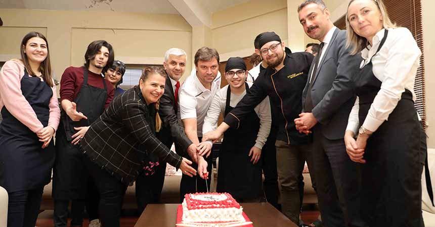 Halk Eğitim Merkezi'nden Samsunspor pastası