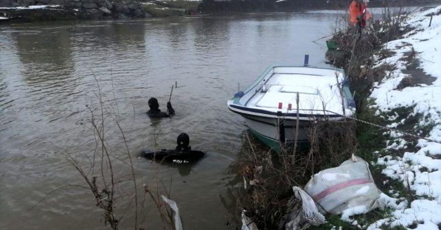 Irmağa atlayan babaya ulaşılamadı