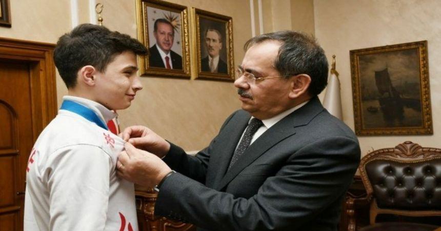 Demir'den genç sporculara hediye