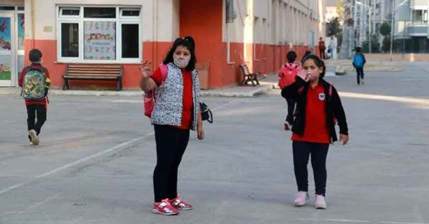 Öğrenciler 7 ay sonra okula döndü