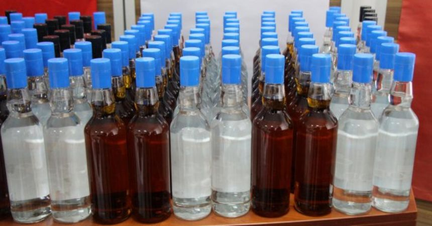 Sahte içkiden 4 günde 33 kişi öldü