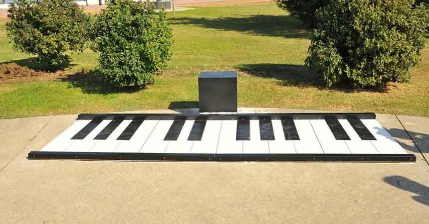 Çocuklar için ayak piyanosu