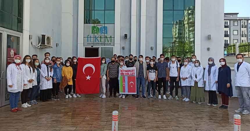 Öğrencilerden Azerbaycan'a destek