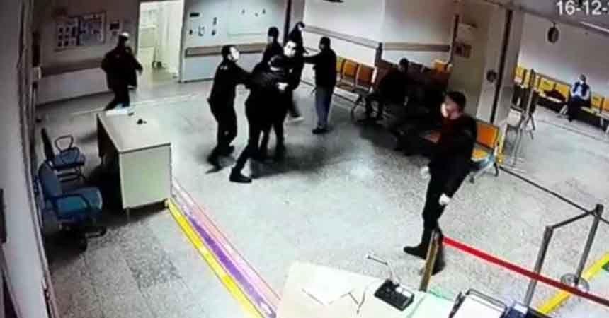 Doktora bıçaklı saldırıya tepki