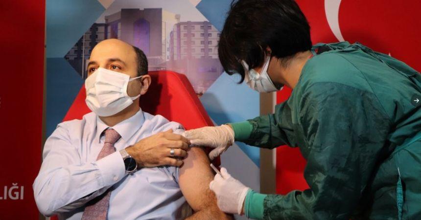 Samsun'da ilk aşı Oruç'a yapıldı