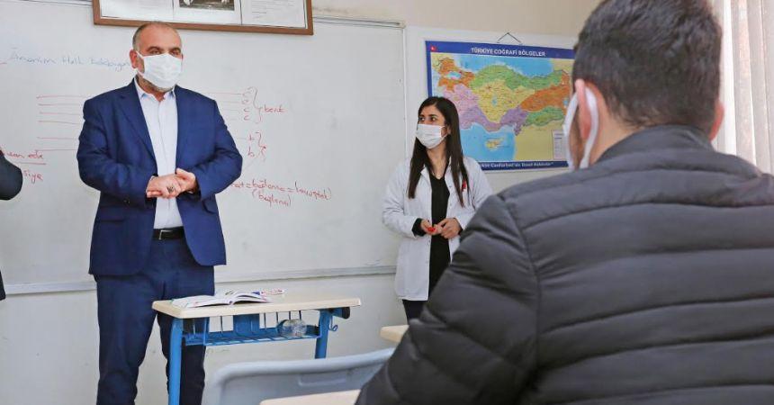 Sandıkçı'dan öğrencilere müjde