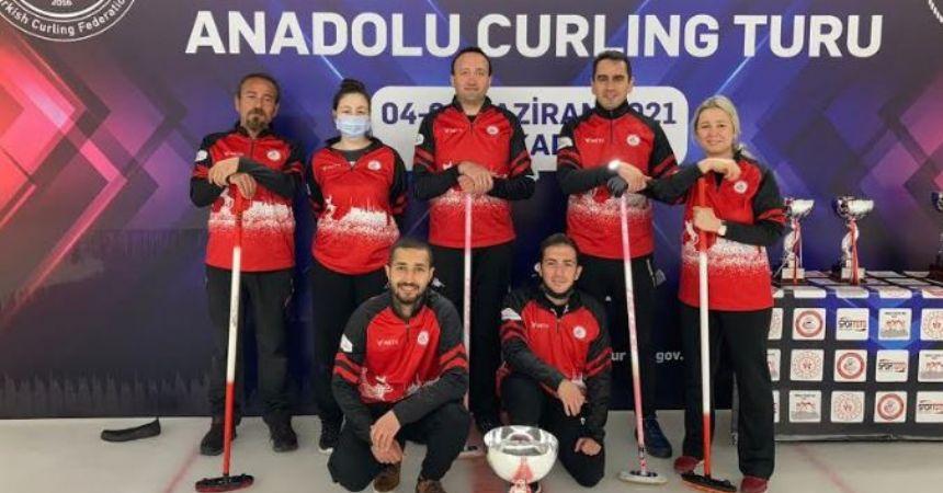 Curlingde Türkiye ikinciliği geldi