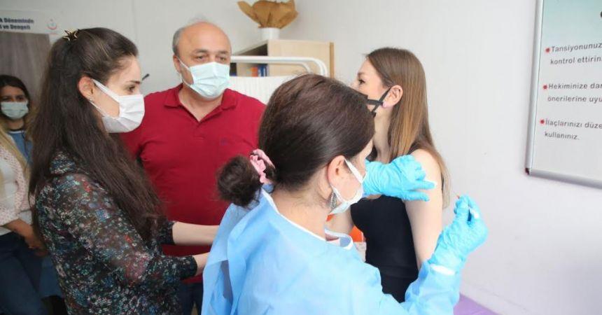 Atakum Belediyesi personeline aşı