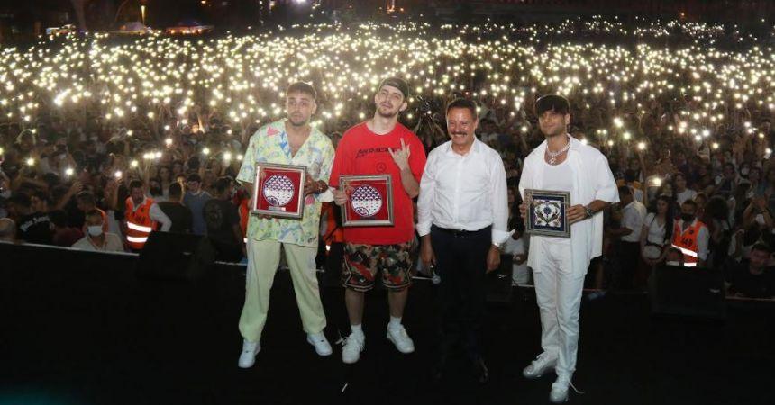 Samsun rap konseri ile sallandı