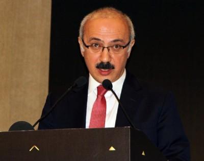 Bakan Elvan'dan kredi değerlendirme kuruluşlarına tepki