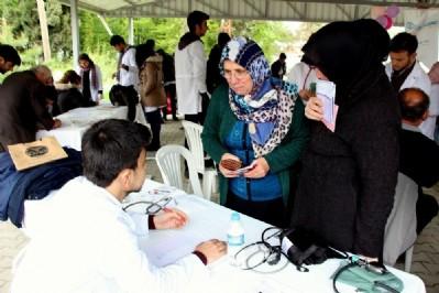 Tıp öğrencilerinden sağlık taraması