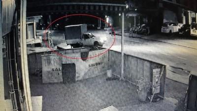 Domates hırsızları kameraya yakalandı