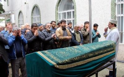 Afgan genç son toprağa verildi