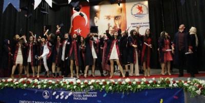 GSF ilk mezunlarını verdi