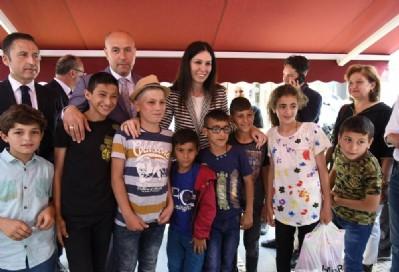 Tekkeköy'de meydanda bayram geleneği devam ediyor