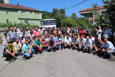 Köylüler yol kapatıp eylem yaptı