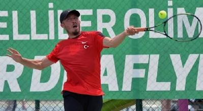 Teniste Sercan Yeşilova tur atladı