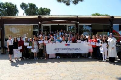 Atakum'da başarılı kadınlar ödüllendirildi