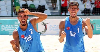 Melih ve Resul son 16'da