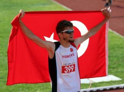 Atletizmde olimpiyat rekorlu altın