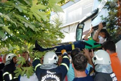 Otobüs çay ocağına daldı: 8 yaralı