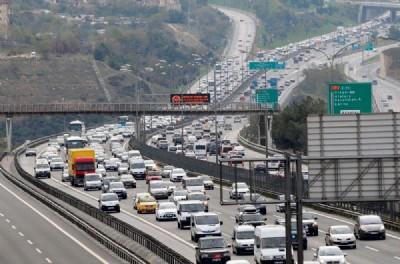 Türkiye'de 7 kişiye 1 otomobil düşüyor