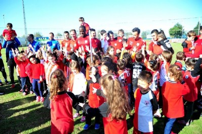 Miniklerden Samsunspor'a moral ziyareti