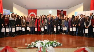 """""""Yazarlar Okulda Projesi"""" ödülleri dağıtıldı"""