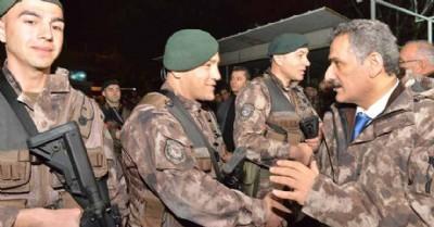 Düğüne gider gibi Afrin'e...