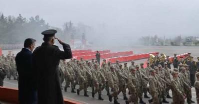 'Türk askeri olmak bir onurdur'