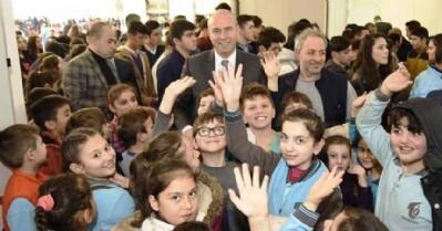 Başkan Togar, öğrenciler için kitap aldı