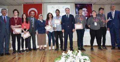Liselerarası münazara turnuvası