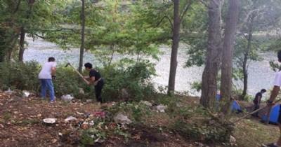 Doğa kampında doğa temizliği