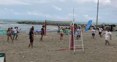 Yakakent'te plaj voleybolu turnuvası