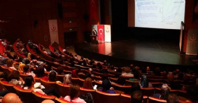 Sağlık çalışanlarına seminer