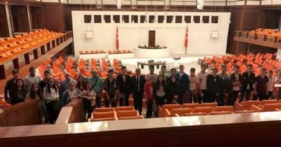 Köktaş, öğrencileri Meclis'te ağırladı
