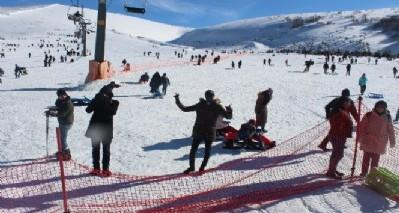 Yabancı öğrencilerin kayak keyfi